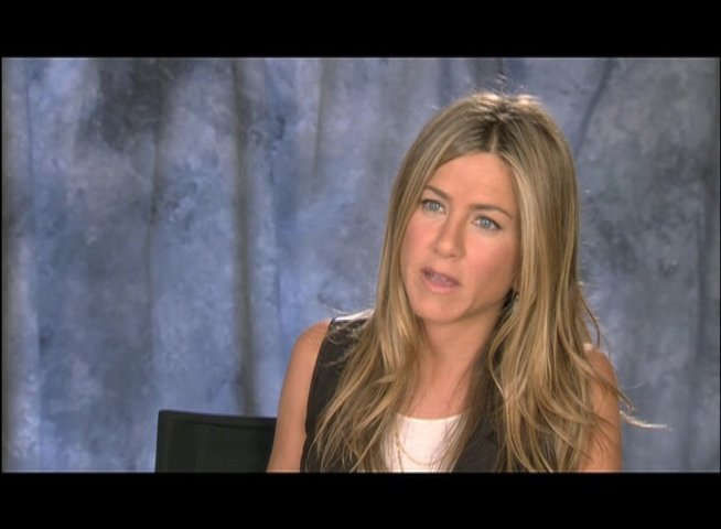 Jennifer Aniston ueber Wally und Kassie - OV-Interview Poster