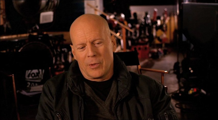 Bruce Willis (John McClane) über den Film - OV-Interview Poster